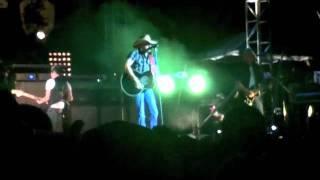 LIVE Big Green Tracker - Jason Aldean - Cheyenne Frontier Days 2011