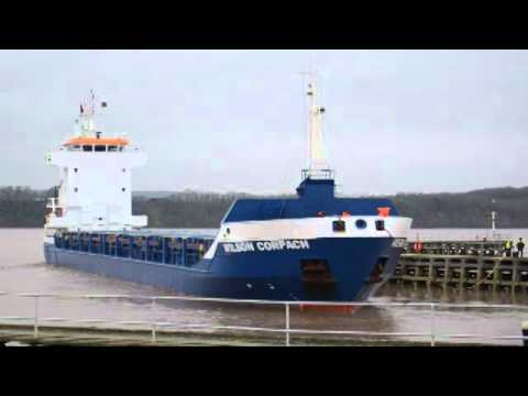 Wilson Corpach arriving at Sharpness Docks