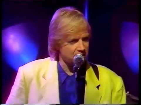 THE MOODY BLUES-BLESS THE WINGS-PEBBLE MILL 14.11.91.