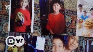 Uygur çocukları ailelerinden alınıyor - DW Türkçe