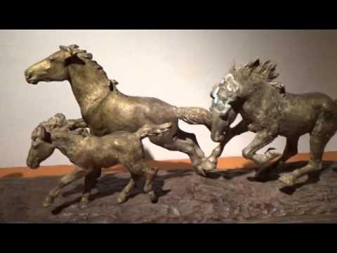 """<h3 class=""""list-group-item-title"""">CARLOS ROUME, el señor de los caballos</h3>"""