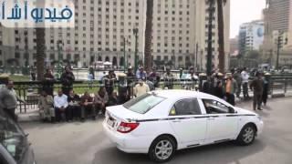 بالفيديو : وقفة احتجاجية لعمال قطاع الزراعة الآلية بميدان التحرير
