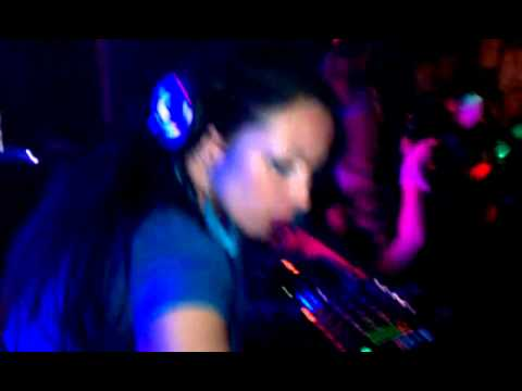 Mixtress Shizaam @ Womp ladys night 2011