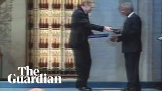 Kofi Annan is awarded the Nobel peace prize in 2001