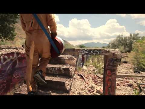 Клип Kyle Andrews - Kangaroo