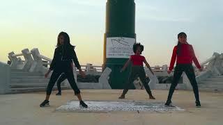 Sofia Reyes - 1, 2, 3 (feat. Jason Derulo & De La Ghetto)   Cast Dance *