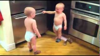 YouTube - -Twin baby talk- TRANSLATED.flv