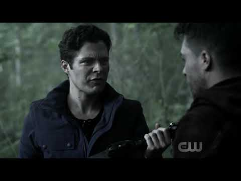 William and Roy Find Olivers Bow | Arrow 7x02 | The Longbow Hunters