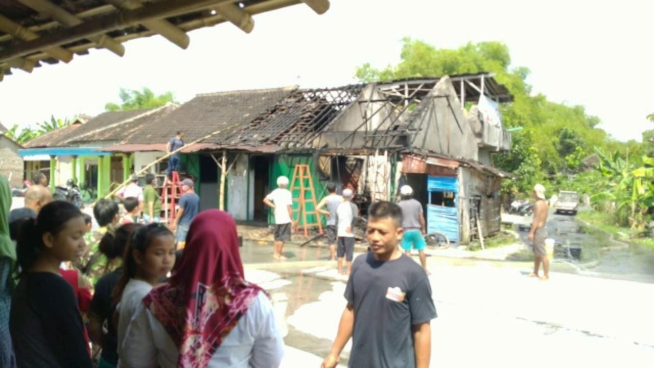 Pemilik usaha Tambal Ban dan Bensin Ecer di Pare,Kinkang, Wonosari,Klaten Kebakaran