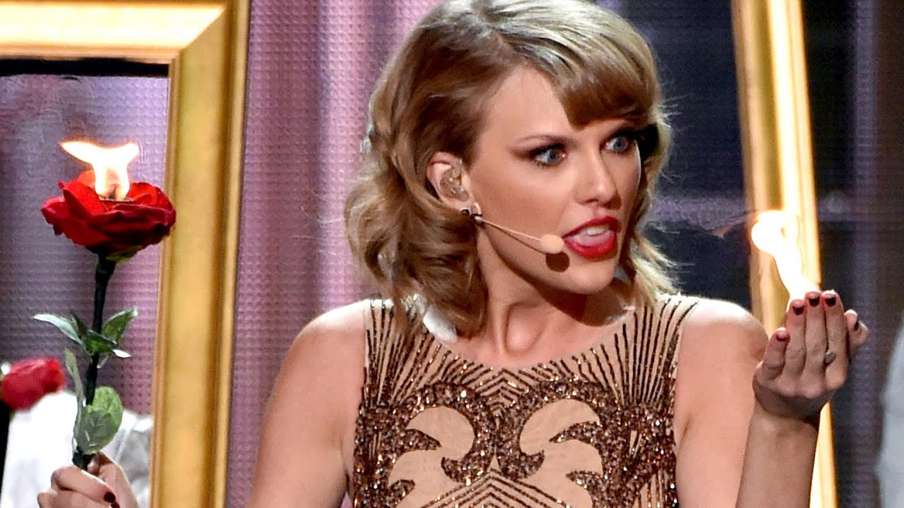 Taylor Swift CRAZY Blank Space Performance 2014 American Music Awards