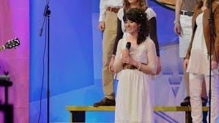 """11. AZK Lied """"Traum der neuen Welt"""" - Natalie Christ mit Swiss-Singers & BühlerBand"""
