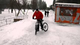 дрифт на велосипеде(дрифт на велосипеде зимой., 2015-08-07T18:58:16.000Z)