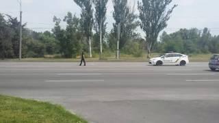 видео Полицейские учат в Житомире детей правилам дорожного движения