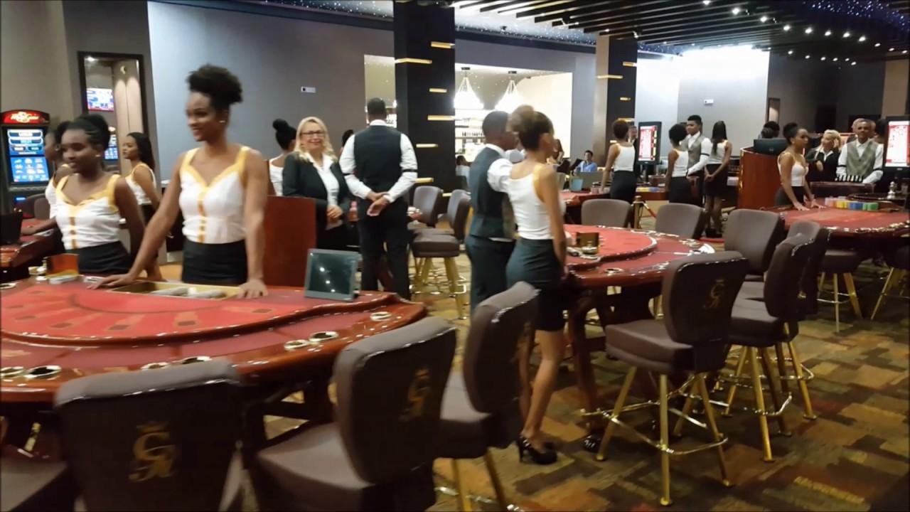 casino royale opening