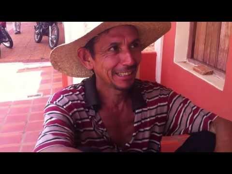 Nativo Paraguayo hablando Guaraní