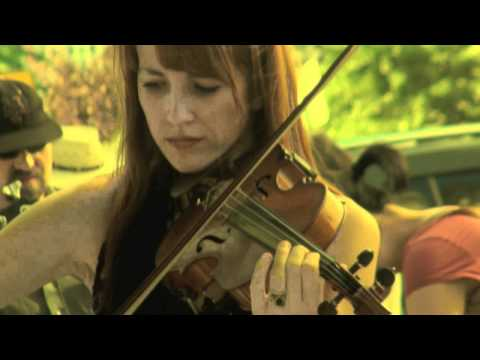 Beautiful violinist Hannah Thiem in 2010 make music new york(2/2)----new york videodyssey(104)