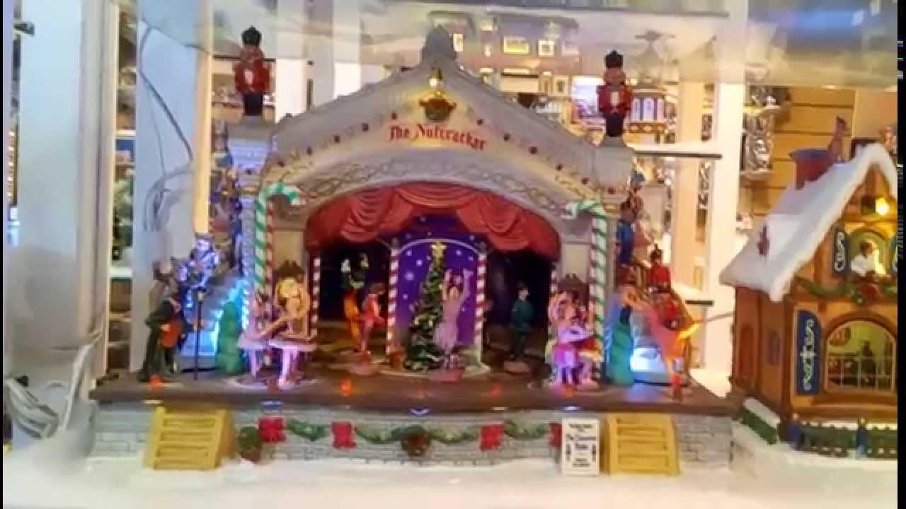 Arreglos navide os 2018 ideas para una villa navide a for Arreglo para puertas de navidad