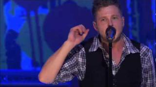 OneRepublic - All The Right Moves ( Live Walmart Soundcheck )