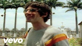 Music video by Super Furry Animals performing Demons. (c) 2004 SONY...