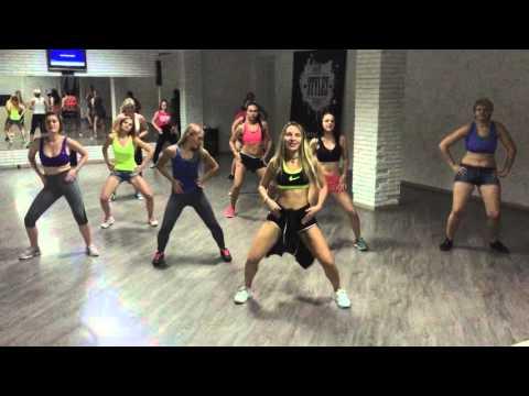 Traketeo Zumba Choreography