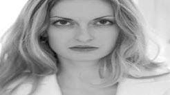 Berliner Kriminal Theater Schauspielerin Sandra Steinbach im Gespräch mit Dennis Schönwetter