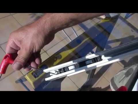 Calfeutrage des fen tres par joint silicone moul doovi - Changer les joints de fenetre ...