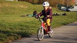 Fahrrad | Bikepark | Lerne englisch mit Lucy und Ellie beim Fahrradfahren