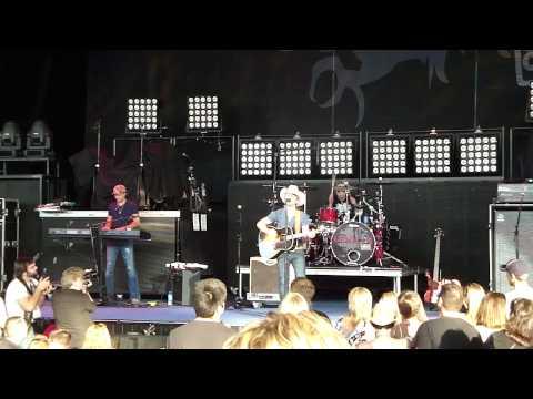 Justin Moore - Hank It - Detroit, MI - 6.11.10