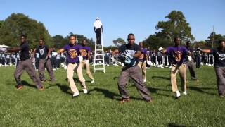 Nobody Does It Better (2014) Jackson State ft. Edna Karr HS Drum Majors