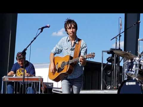 """""""I WANT YOU TO WANT ME"""" Mo Pitney cover of Cheap Trick from Kickin Up Kountry, Karlstad Mn  6/10/17"""