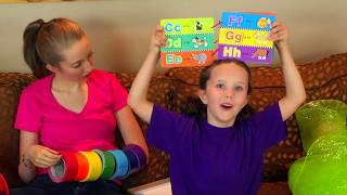Family Unboxing Room! Learn English Words with Sign Post Kids! Rainbow Colors!
