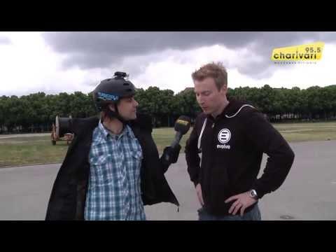 E-Skater Jens Haffke zu Besuch bei 95.5 Charivari