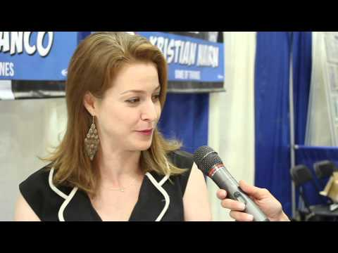 Esmé Bianco Ros from Game of Thrones raw  during PopCon in Indianapolis