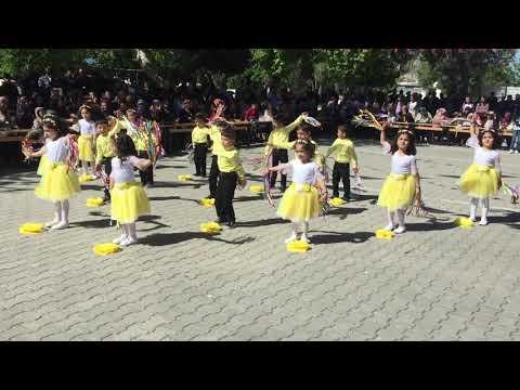 23 Nisan Rengarenk Gosterı Etkınlik Gösteri 23 Nisan Okul Tütü Cocuk Oyunları