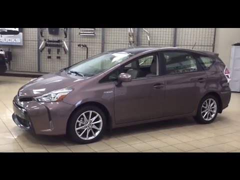 2017 Toyota Prius V Technology Review
