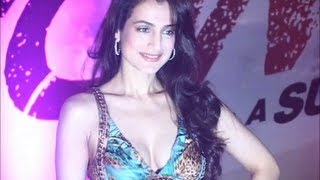 Ameesha Patel looking STUNNING in a deep low neck gown.