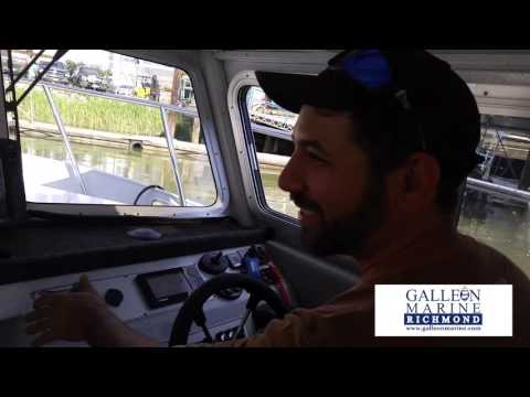 Docking Made Easy - Kingfisher 2825 Offshore with Lowrance HDS12 and reverse camera