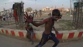 Download Драка на жд вокзале в Варанаси. Индия. Жесть. Fight. Varanasi. India