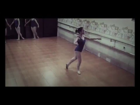 Ballet Grade 5 ~ Pirouette