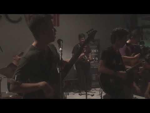 Menuju Senja (LIVE) - Payung Teduh (New Formation)
