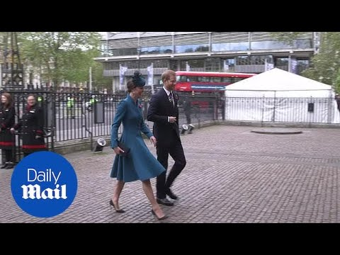 Prince Harry and Kate arrive at Westminster Abbey for Anzac service
