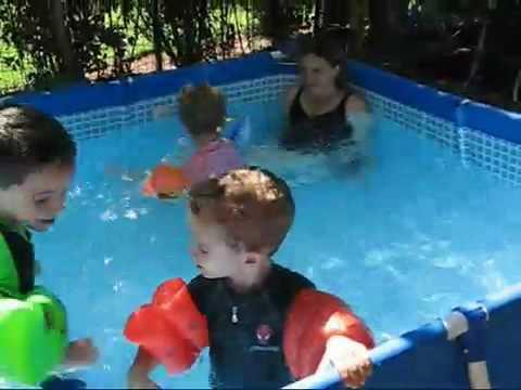 Купить детский надувной бассейн в краснодаре по низкой цене. Заказать надувной бассейн для детей. Огромный выбор разных видов надувных детских бассейнов с доставкой по городу.