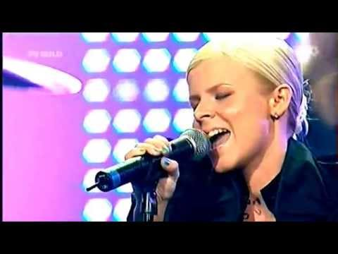 ☛ ☛ Robyn, Be Mine Live With 8 Strings Orchestra (rare)