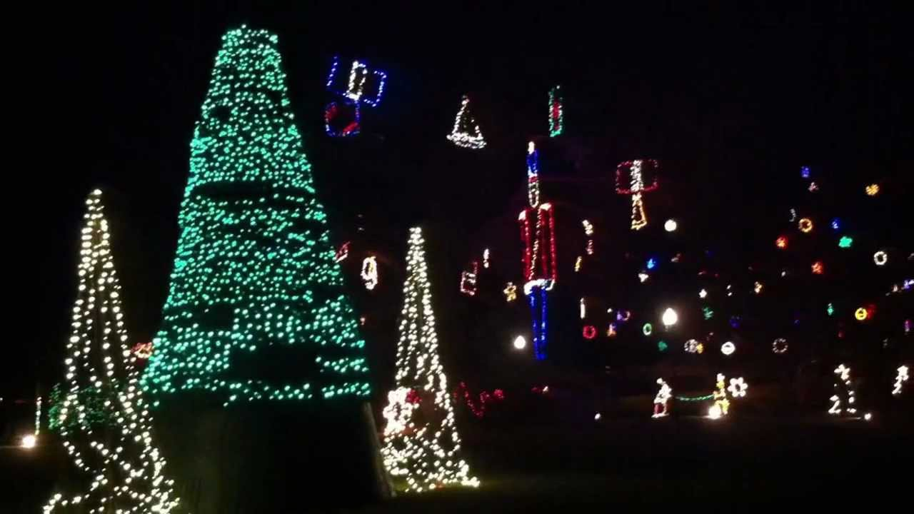 Venetian Gardens Christmas Lights Leesburg Fl 2020 Swampy Live: with dancing lights at Venetian Gardens, Leesburg