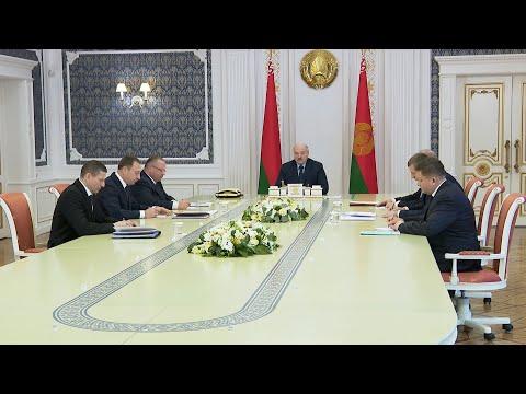 Решения на стыке двух миров - на совещании у Лукашенко обсуждают IT и финансы