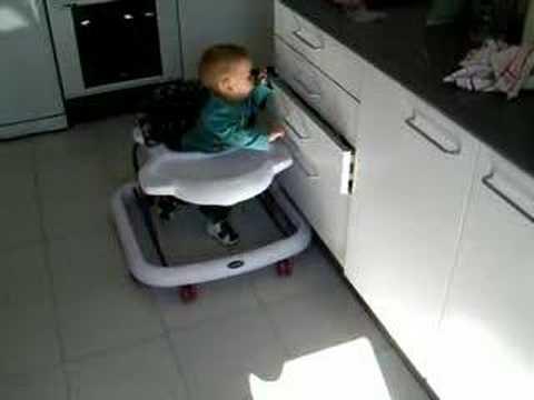Bebe seguridad de cajones youtube - Seguro para puertas bebe ...