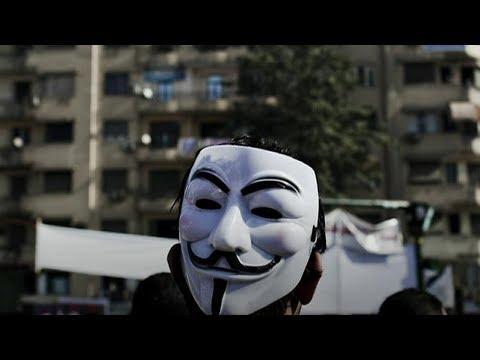 لماذا أثار قانون مواقع التواصل الاجتماعي الجدل في مصر؟  - 21:21-2018 / 7 / 19