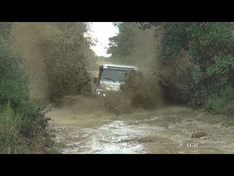 LAND ROVER DEFENDER THE PERFECT STORM