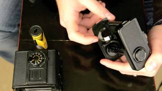 How to load a medium format film (Einlegen eines Mittelformatfilmes) - your-photo