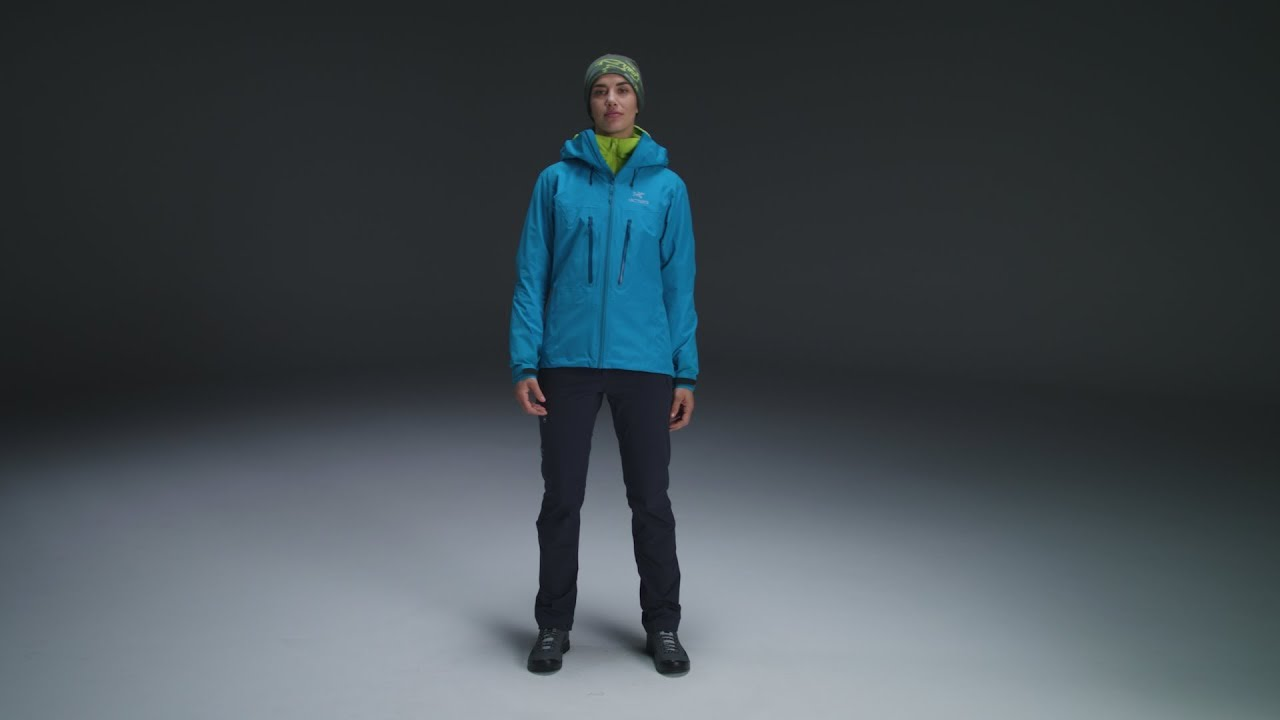 1459be09b91 Arc teryx - Alpha AR Jacket Women s - Sonora - YouTube